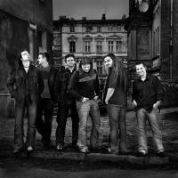 A Banda Polonesa Quidam Lança Disco Ao Vivo