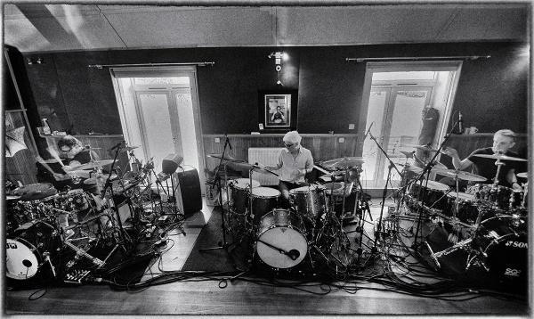 king-crimson-3-bateristas
